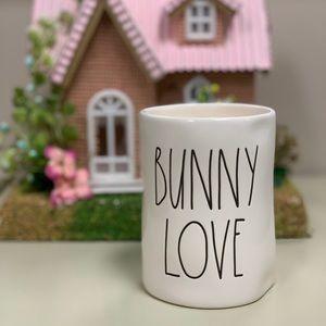 """RAE DUNN """"Bunny Love"""" candle"""